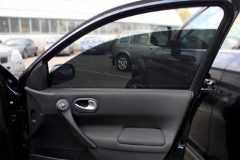 Фото автомобиля с тонированным стеклом